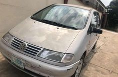 Sell well kept beige 2006 Volkswagen Sharan van at price ₦750,000