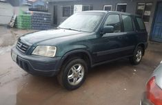 Need to sell high quality green 1999 Honda CR-V automatic in Lagos