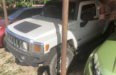 Well maintained white 2006 Hummer H3 for sale at price ₦3,500,000 in Warri