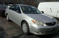 Selling 2004 Toyota Camry in good condition at price ₦600,000
