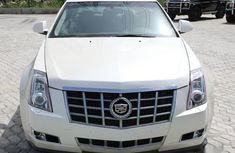Cadillac CTS 2010 Luxury White for sale