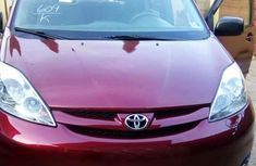 Well maintained 2006 Toyota Sienna automatic for sale in Abuja