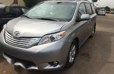 Toyota Sienna LE 7 Passenger Mobility 2011 Gray for sale