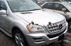 Selling 2010 Mercedes-Benz ML350 suv / crossover in good condition at price ₦6,300,000