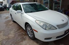 Selling white 2003 Lexus ES automatic at price ₦1,750,000