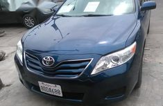 Need to sell high quality blue 2011 Toyota Camry sedan automatic in Lagos