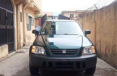 Sell well kept green 2001 Honda CR-V automatic at mileage 104,778