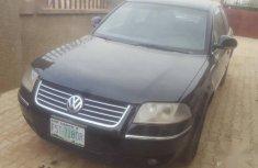 Sell very cheap clean black 2004 Volkswagen Passat in Abuja