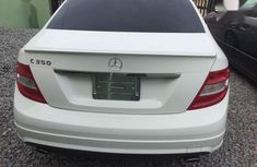 Sell white 2009 Mercedes-Benz C350 automatic in Lagos (origin: foreign)