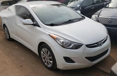 Best priced white 2013 Hyundai Elantra automatic in Lagos