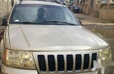 Sell used 2001 Jeep Grand Cherokee suv automatic at mileage 241,089