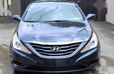 Sell well kept 2013 Hyundai Sonata sedan automatic in Lagos