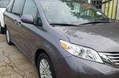 Authenticused 2015 Toyota Sienna for sale at price ₦9,500,000