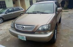 Need to sell high quality 2001 Lexus RX suv / crossover automatic at price ₦1,750,000