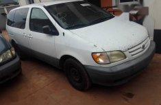 Clean 2001 Toyota Sienna van / minibus automatic for sale