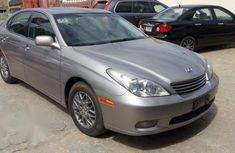 Sell well kept beige 2004 Lexus ES sedan in Ibadan