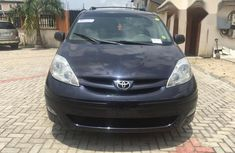 Used blue 2010 Toyota Sienna car automatic at attractive price