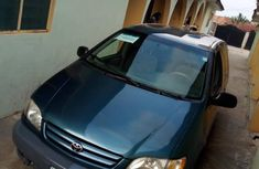 Very clean 2001 Toyota Sienna for sale at price ₦900,000