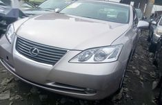Need to sell high quality grey/silver 2008 Lexus ES automatic at price ₦3,200,000