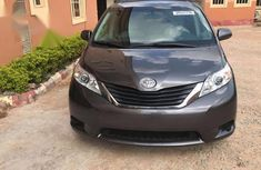 Sell high quality 2012 Toyota Sienna automatic in Abakaliki