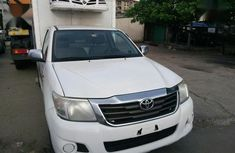 Sell high quality 2014 Toyota Hilux manual at mileage 41,000