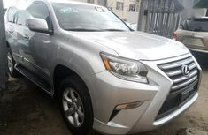 Need to sell high quality grey/silver 2017 Lexus GX automatic in Lagos