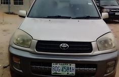 Need to sell gold 2002 Toyota RAV4 suv / crossover at price ₦800,000