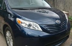 Used 2011 Toyota Sienna suv / crossover automatic car at attractive price