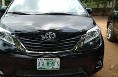 Used 2011 Toyota Sienna automatic for sale at price ₦4,200,000 in Abuja
