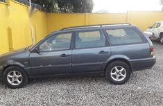 Volkswagen Passat 1998 Gray for sale