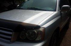 Selling 2001 Toyota Highlander automatic