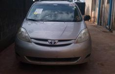 Sell well kept 2007 Toyota Sienna wagon / estate automatic