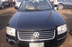 Very sharp neat black 2004 Volkswagen Passat for sale in Lagos
