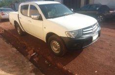 White 2010 Mitsubishi L200 car pickup / truck manual in Enugu