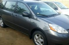 Well maintained 2007 Toyota Sienna automatic for sale at price ₦1,950,000