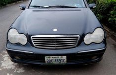 Very sharp neat blue 2004 Mercedes-Benz C230 for sale in Abuja