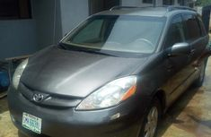Selling 2007 Toyota Sienna suv / crossover at mileage 165,000 in Lagos