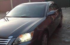 Sell used black 2009 Toyota Avalon sedan automatic at cheap price
