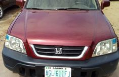 Sell well kept 2000 Honda CR-V automatic in Lagos