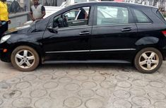 Need to sell used 2007 Mercedes-Benz 200 automatic at cheap price