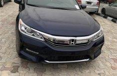 Sell used blue 2017 Honda Accord at mileage 14,369