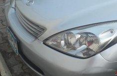 Sell well kept grey/silver 2002 Lexus ES sedan at price ₦1,850,000