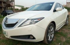 Authentic white 2010 Acura ZDX automatic in good condition