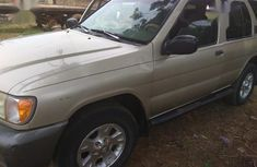 Need to sell high quality gold 2001 Nissan Pathfinder suv / crossover automatic