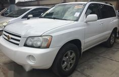 Sparkling cheap used 2001 Toyota Highlander automatic at mileage 176,000