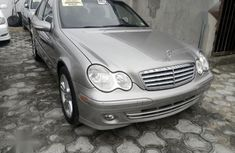 Need to sell 2006 Mercedes-Benz C240 automatic in good condition in Lagos