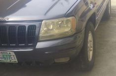Selling 2005 Jeep Cherokee automatic at price ₦750,000 in Lagos