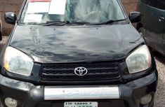 Sell cheap black 2002 Toyota RAV4 suv automatic in Abuja