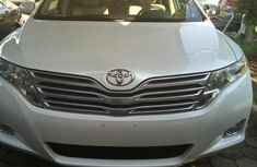 Toyota Venza AWD V6 2010 White for sale