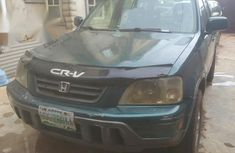 Best priced green 2001 Honda CR-V automatic in Lagos